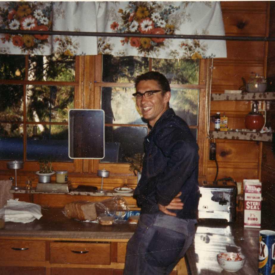 Lee Sander in old kitchen - by Lee's story.jpg