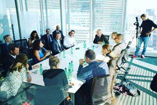 Claire Obry et autres start-upers francais basés aux Etats-Unis rencontrent le Ministre des Affaires Etrangères Jean-Marc Ayrault.