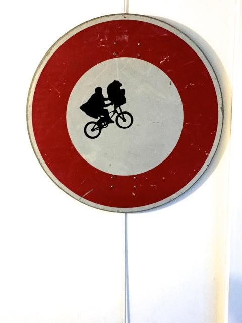 Panneau de signalisation ET.jpg