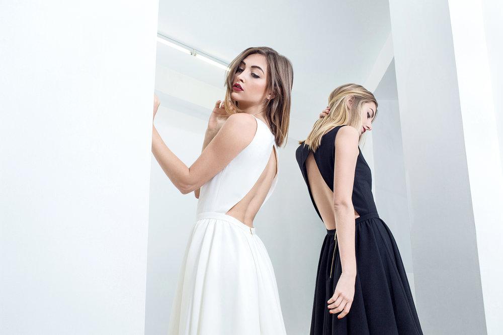 Haveney - Lana - Robe courte dos nu triangle blanche noire .jpg