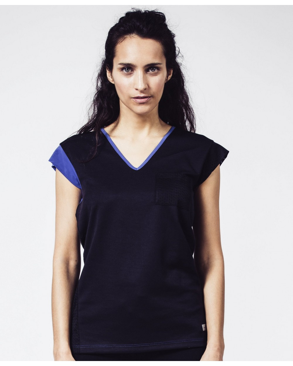 black-running-t-shirt-for-women-philou.jpg