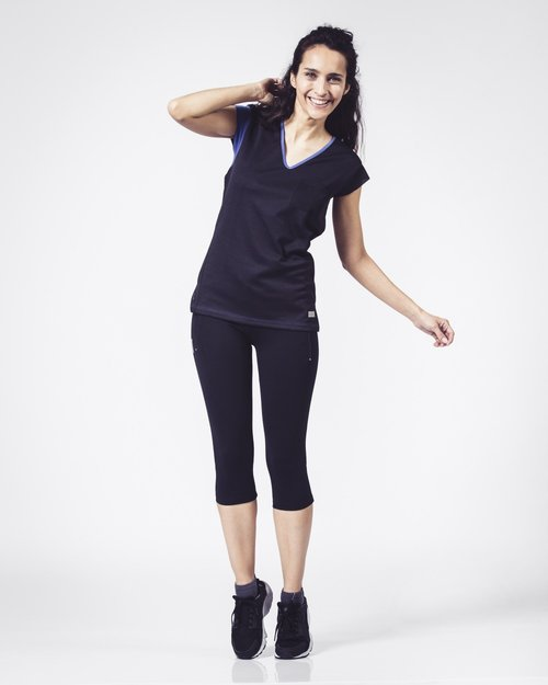 black-running-t-shirt-for-women-philoukk.jpg