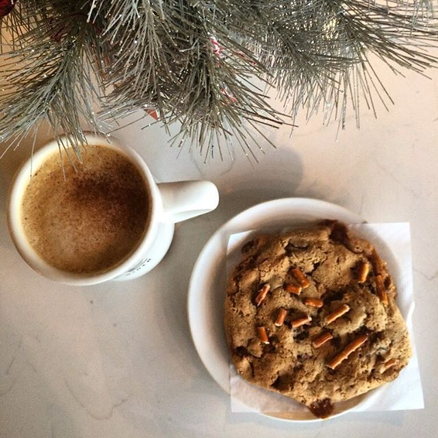 Come grab the new Eggnog Latte and a pastry during our new hours ! ☕️🍪 We are now open 8:00AM - 3:30PM Merry Christmas 🎄