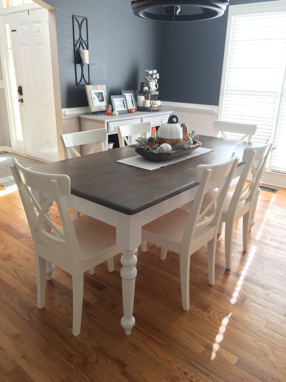 My dining table, finished with Annie Sloan Pure White & Varathane Briarsmoke