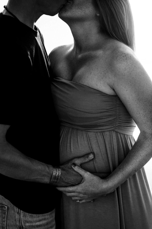 maternity-photographer-san-clemente-3.jpg