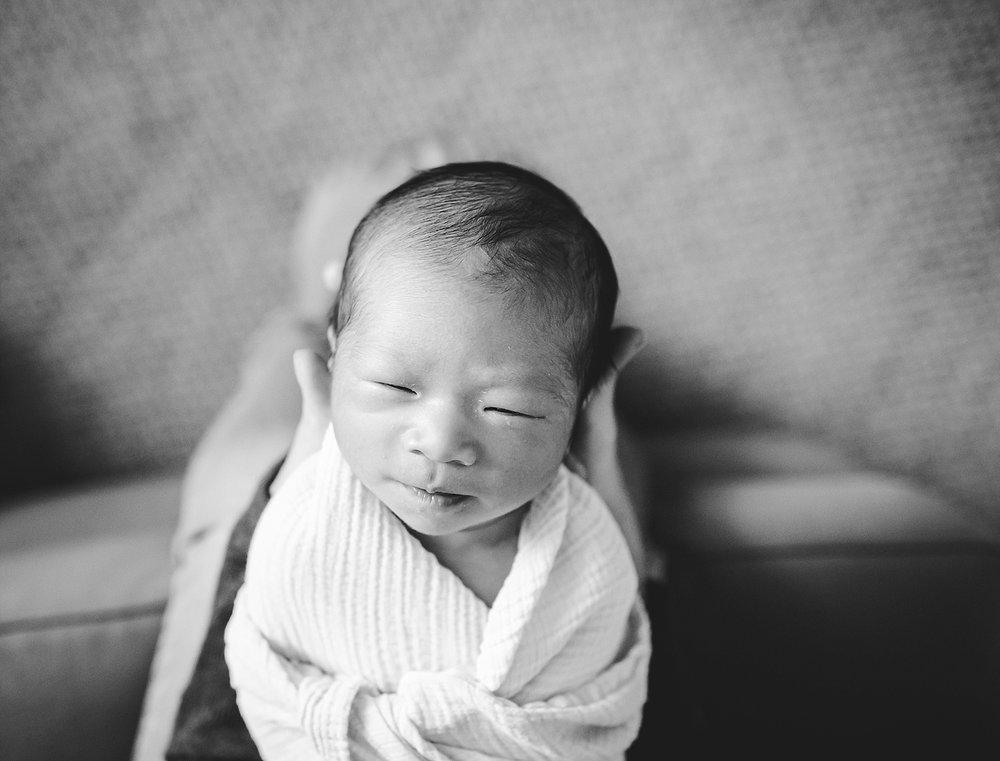 orange county lifestyle newborn photographer