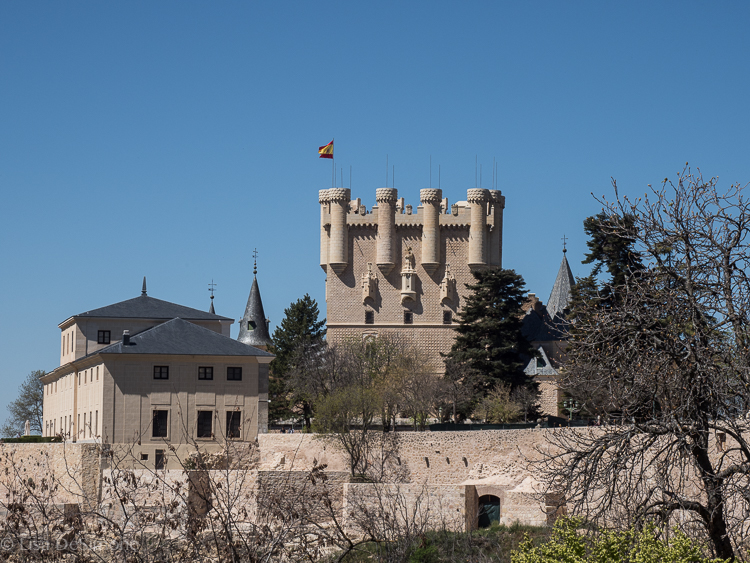 Walking along the ramparts of Segovia