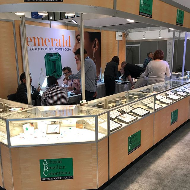 Day 4! Booth 1301 where the Emeralds and Brazilian Alexandrite are 🔥 . . . #abcgems #tucson #agtagemfair18 #gemfair #alexandrite #emerald #gems #gemstones #finejewelry #agat_gems #bespokejewellery