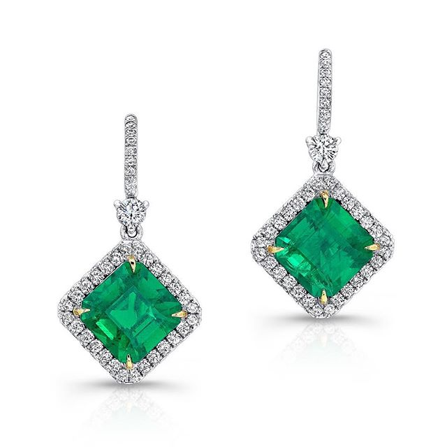 Emeralds, they share with you abundant energy, both physical and spiritual. It helps you expand beyond your fear into higher wisdom, praising and enjoying life. It represents unconditional love. Happy birthday May babies.