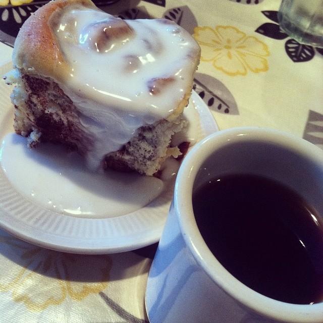 cafe frederica cinnamon rolls