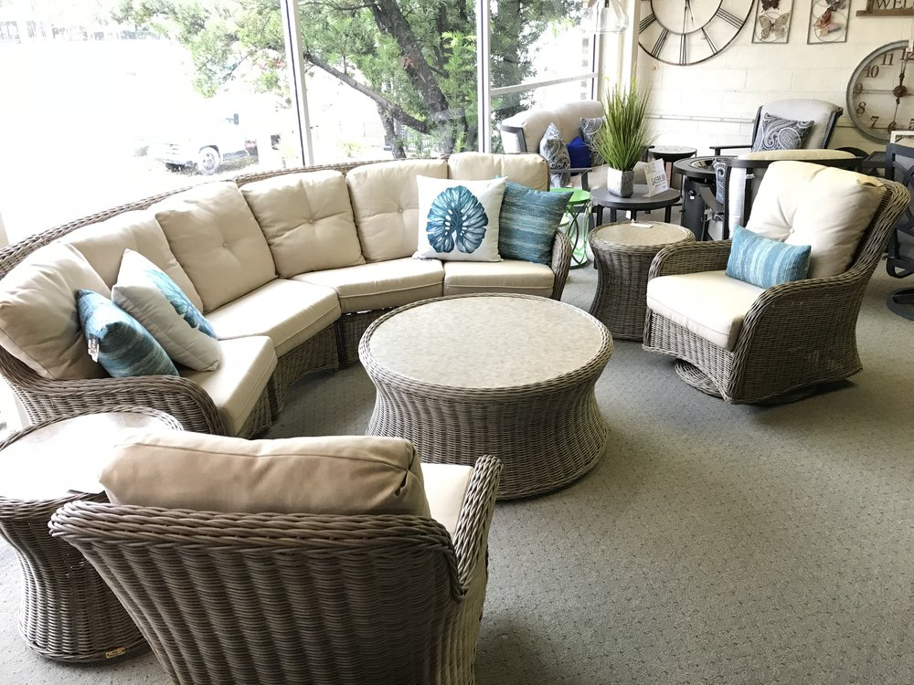 PATIO RENAISSANCEWESTHAMPTON4PC. CURVED SECTIONAL2 CLUB SWIVEL CHAIRS42