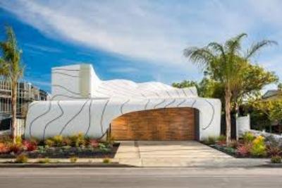 """""""The Wave House"""" steht seit Monaten in Venice zum Verkauf. Für Surfer offenbar zu teuer."""