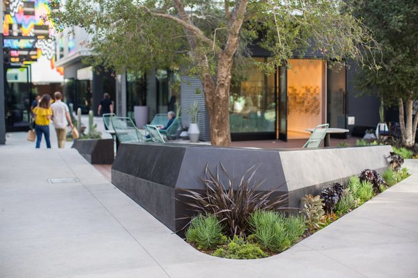 platform mall.jpg