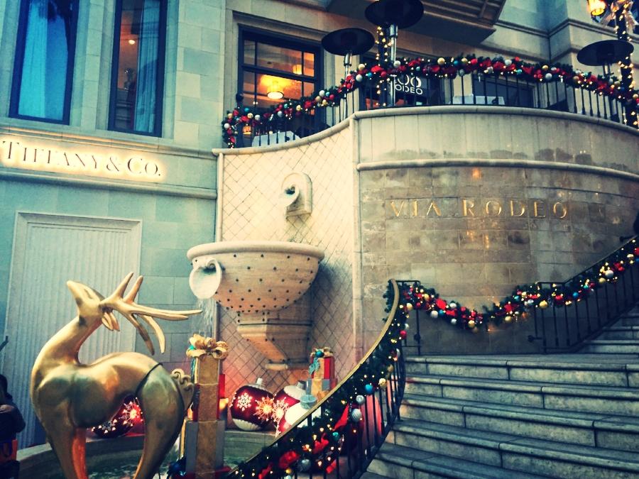 Leider gibt es keinen Goldschlager in der Bar über Tiffany's. Aber ordentlichen Rosé.