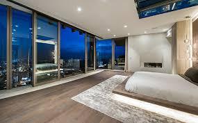 Paradies 2: ein Schlafzimmer für Schlawiner