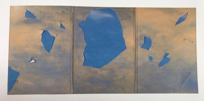 """Der erste Blick: In Weismans ehemaligem Schlafzimmer im Carolwood Drive prangt """"Commissioned Work (Three Panels)"""" von 1979. Joe Goode malte diese Wolken, die buchstäblich aufreißen vor blauem Himmel"""