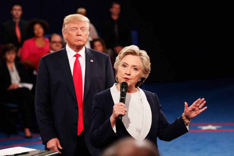 twitter-donald-trump-lurking-hillary-clinton-debate.jpg