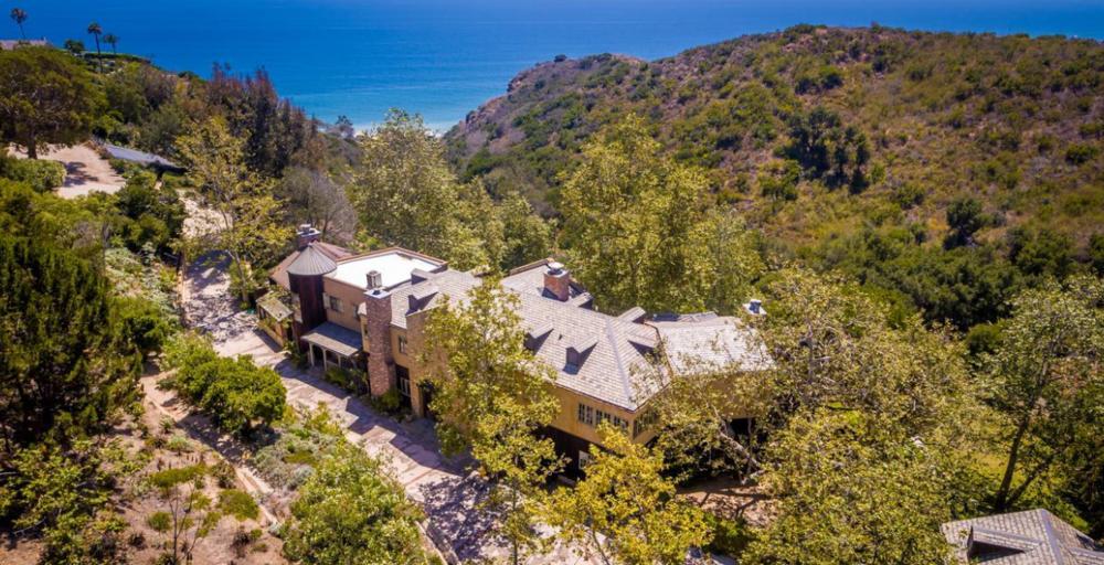 So wohnt doch kein Wüterich: das 17-Millionen-Dollar-Anwesen in einem waldigen Canyon in Malibu