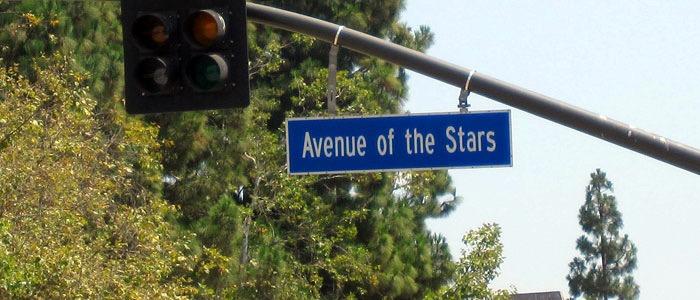 Santa-Monica-Boulevard, Ecke Avenue of the Stars: Letzteres klingt vielversprechend. Kommen die denn auch zum Shoppen?