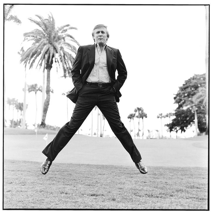 Da war er noch jung und schön – und spaltete nicht das ganze Land: Der Entertainer und Immobilienunternehmer 1997 in seinem Anwesen in Florida, angemessen inszeniert vom Celebrity-Fotografen Max Vadukul