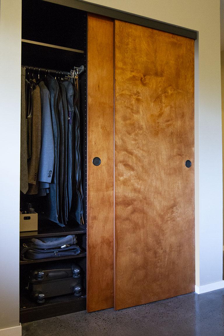 closet_open01.jpg