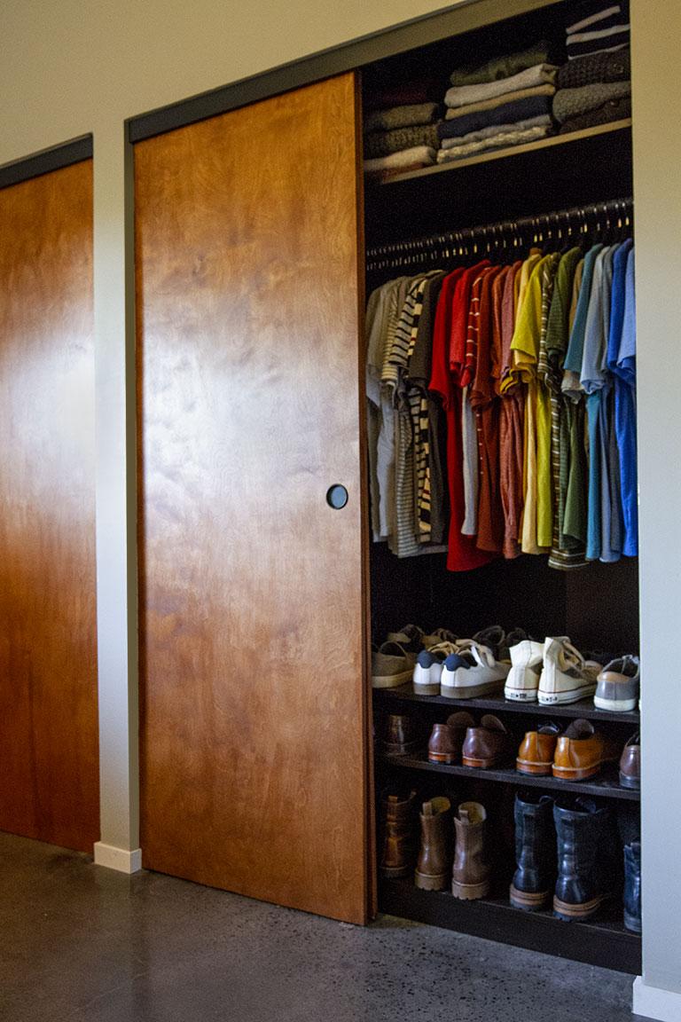 closet_open02.jpg