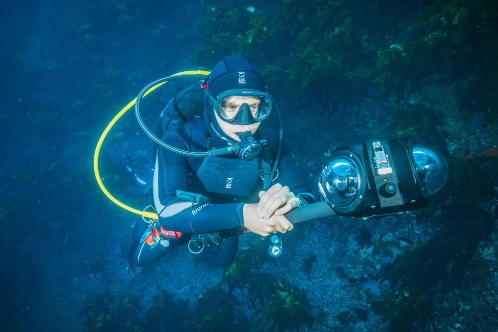 DannyUnderwater_360VR_Services_Cameraman.jpg