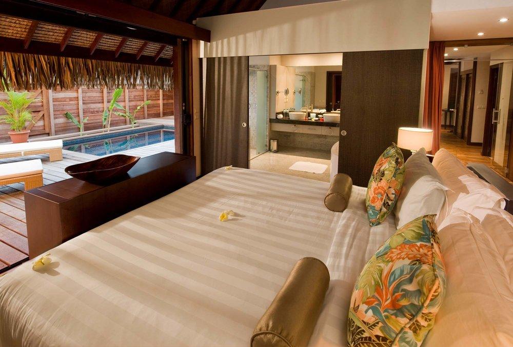 Hilton moorea lagoon resort spa tahiti vacations for Garden pool suite hilton moorea