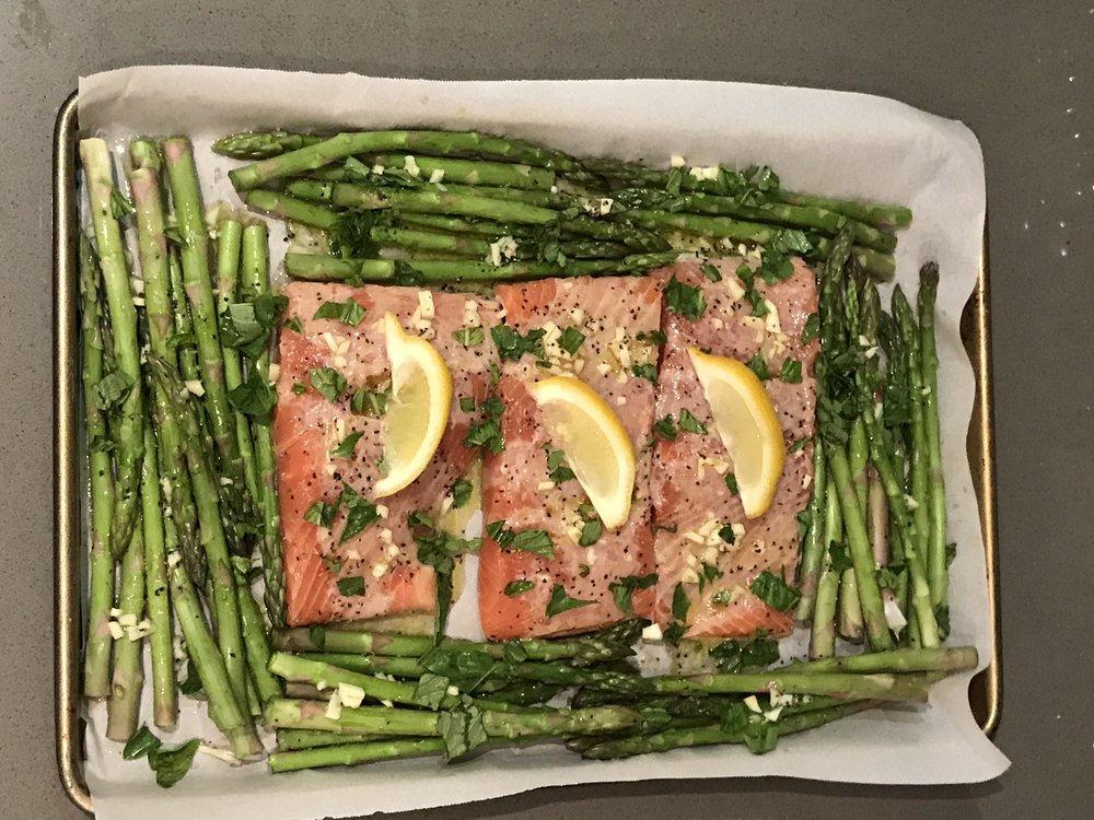 esparragos y salmon al limón v1