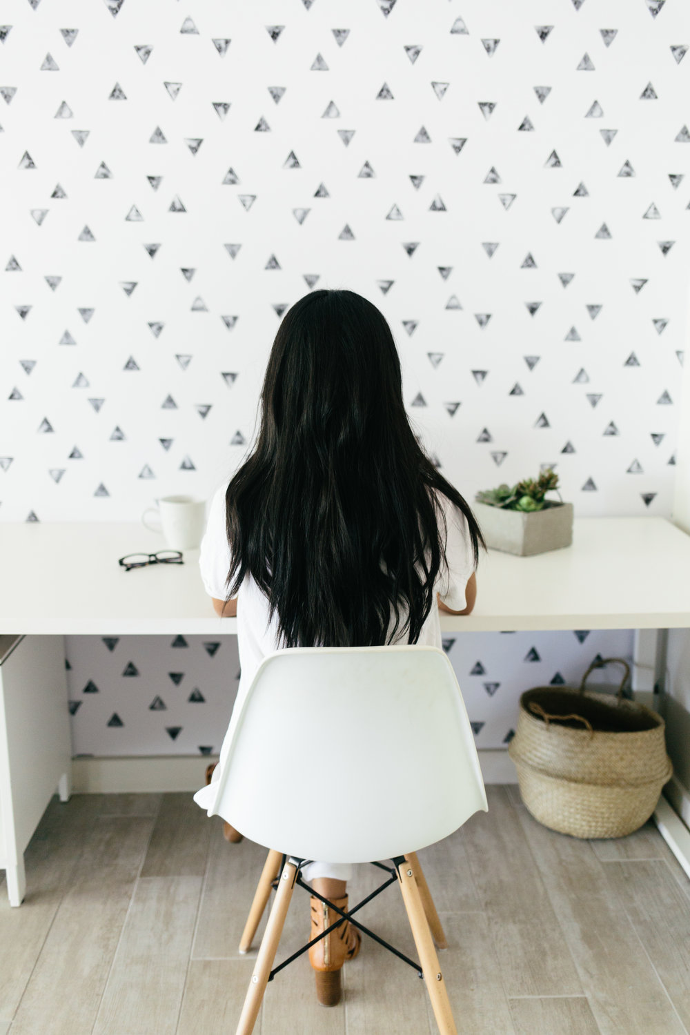 bloguettes-stockthatrocks-office-22Boss+Babe+Club+Top+Knot+Tuesday+Video+Equipment