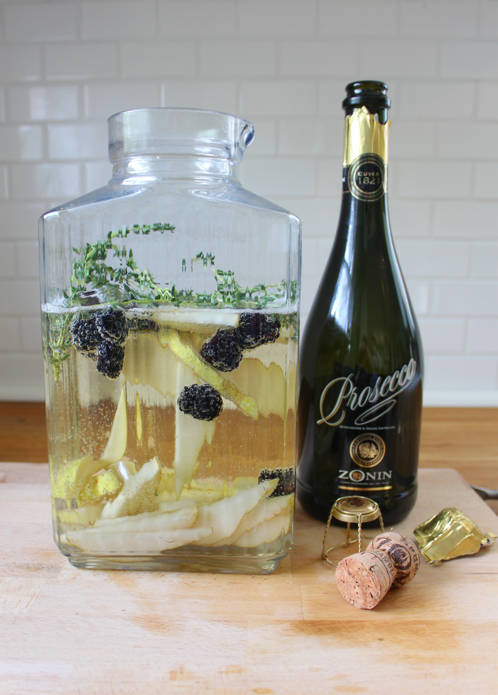 Pear+Thyme+Sangria+1.png