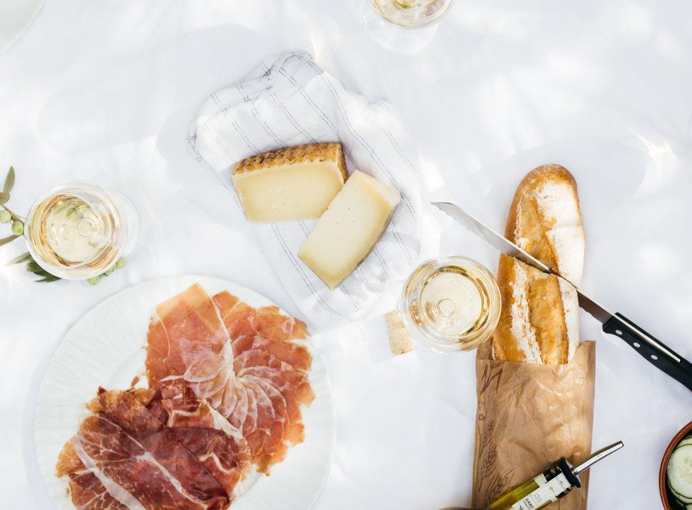 ingrid-hofstra+boss+babe+club+friday+favorites+picnic