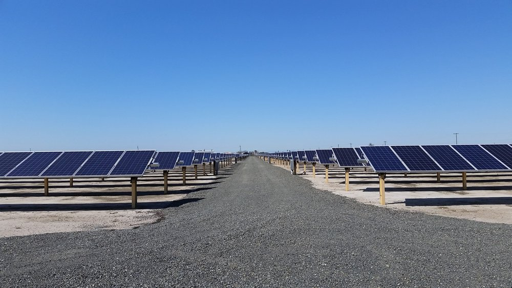 CALIFORNIA DEPARTMENT OF WATER RESOURCES - PEARBLOSSOM   From May 2016 – July 2016, Praxis worked with Clark Bros. Inc., Papich Construction, and SunPower to construct a 9.5MW AC solar facility for California DWR. Praxis provided construction survey services and helped resolve constructability issues in the field.  Constructability Review   Construction Staking   Topographic Survey   Quality Control