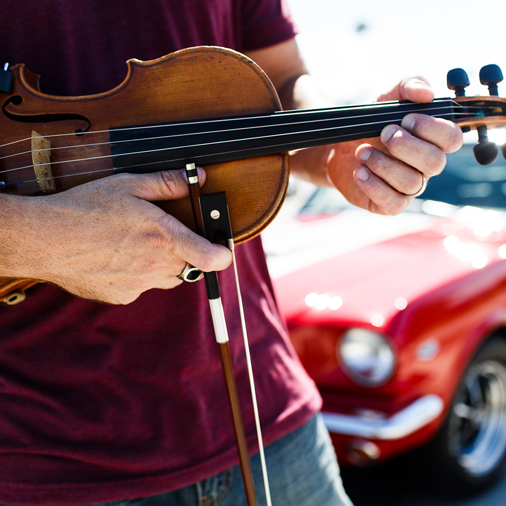 Josh Vietti Violinist for Weddings
