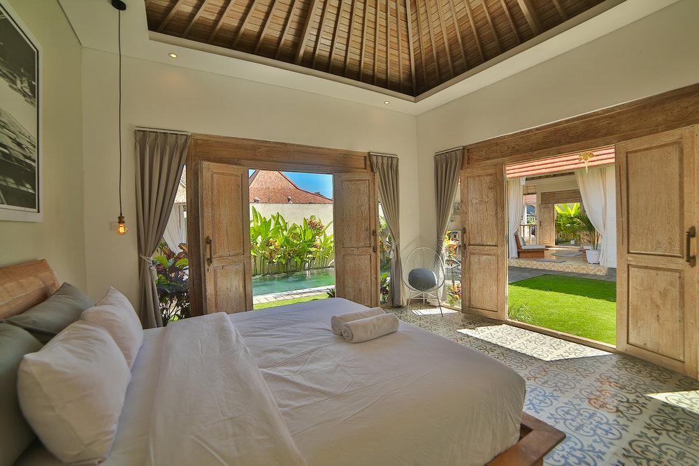 Villa_in_Seminyak_Bali_Villa_Victoria_Modern_French_858A6513.jpg