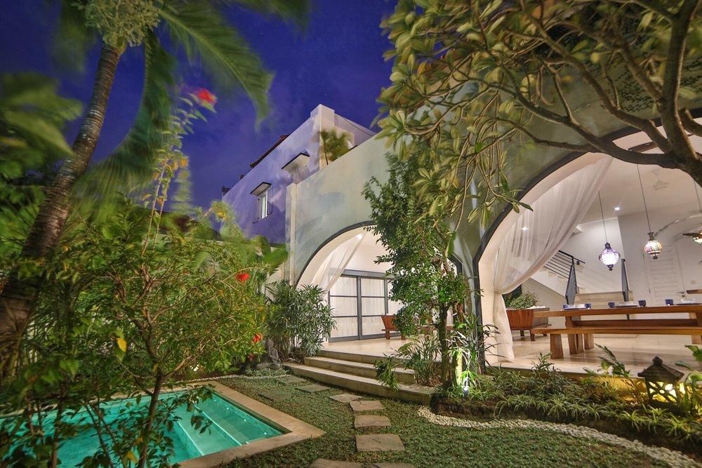 Roma-Villa_in_Seminyak Bali_Indonesia_by_Victoria_Villas_Villa Bintang 2.png