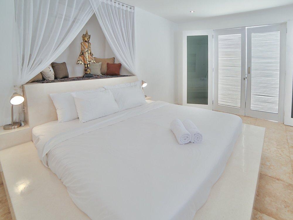 Roma-Villa_in_Seminyak Bali_Indonesia_by_Victoria_Villas_Villa Bintang 4.png