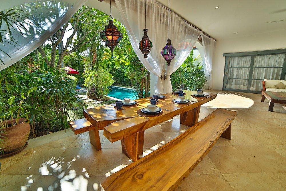 Roma-Villa_in_Seminyak Bali_Indonesia_by_Victoria_Villas_Villa Bintang 7.png