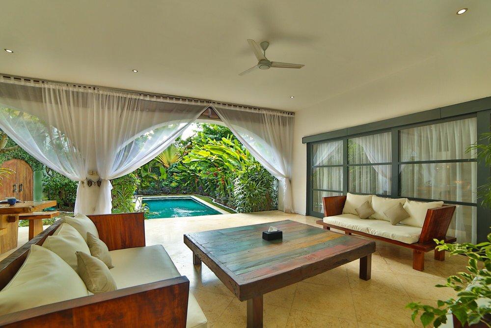 Roma-Villa_in_Seminyak Bali_Indonesia_by_Victoria_Villas_Villa Bintang 9.png