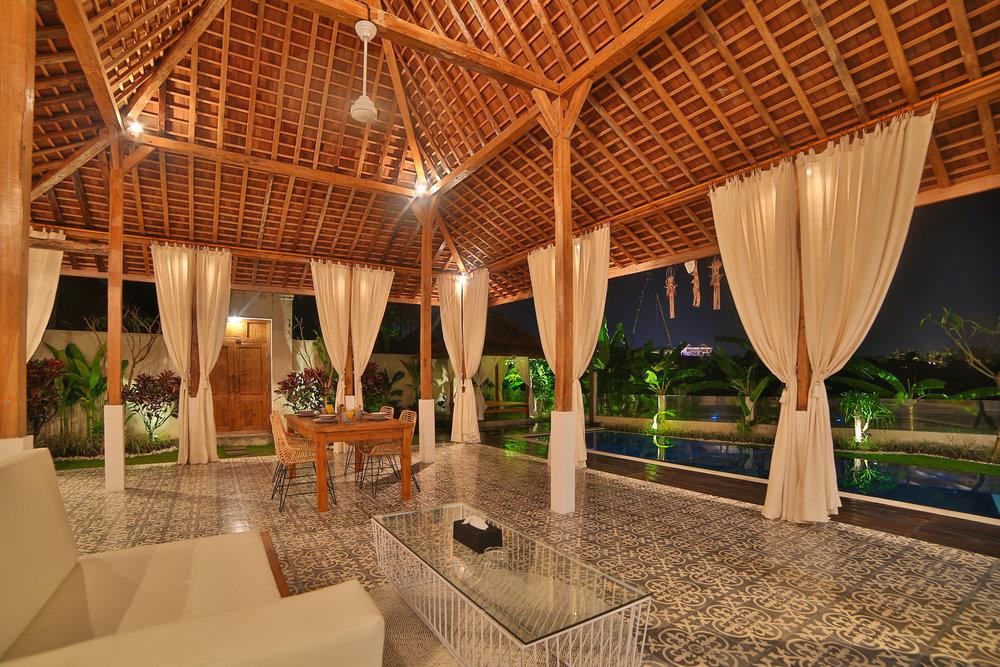 Swiss_Villa_in_Seminyak_Bali_by_Victoria_Villas_858A0604.jpg