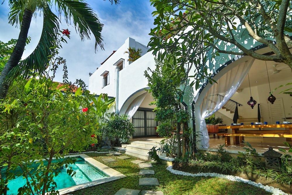 Roma_in_Seminyak Bali_Indonesia_by_Victoria_Villas_Villa Bintang 10.png