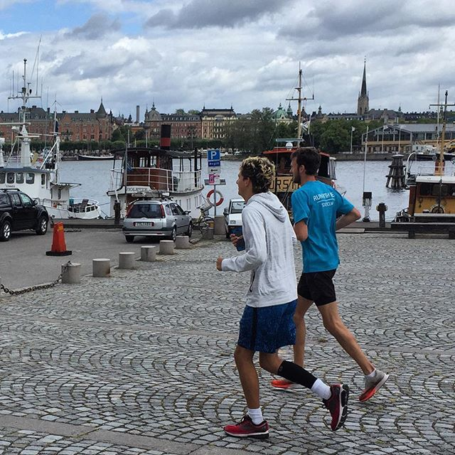 Today Mitchell and Joseph, two 16 year old star track runners from the US ran with Kris, one of Sweden's elite marathon runners! A great running and cultural exchange set up by @runwithmestockholm 🏃🇺🇸🇸🇪 #runningcommunity #löpning #springa #stockholm #visitstockholm #runtravelrun #trailrun #instarun #running #runwithme #runwithmeworld #runningtours #runningtour #sthlm #run #runitfast #älskarlöpning #instarun #runwithmestockholm