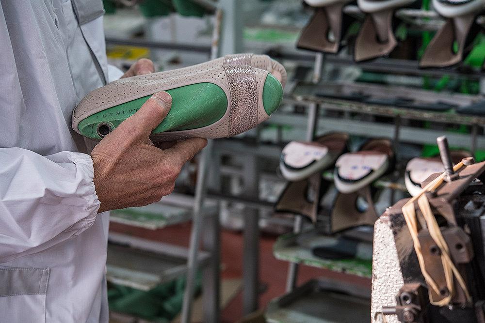 fatte_a_mano_scarpe_comfort_comart.jpg