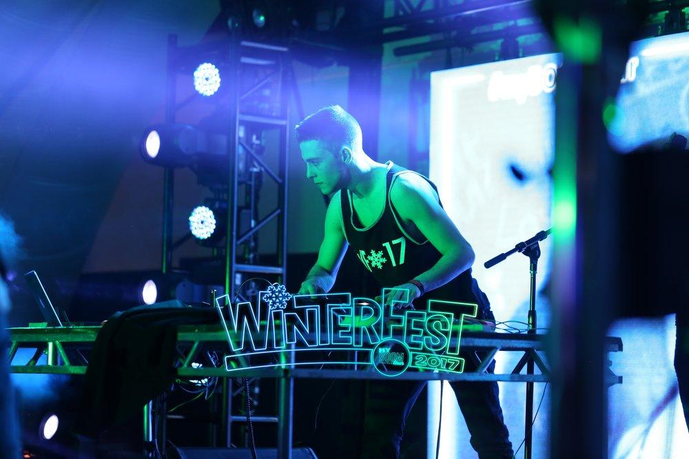 Conant HS WinterFest 2017119.jpg