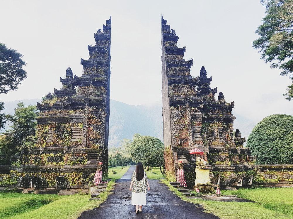 handara gate bali indonesia