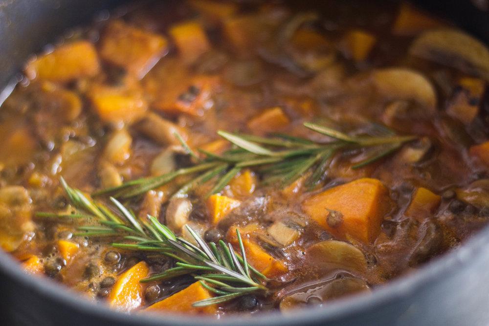 butternutsquash+lentilpotpie-pot.jpg