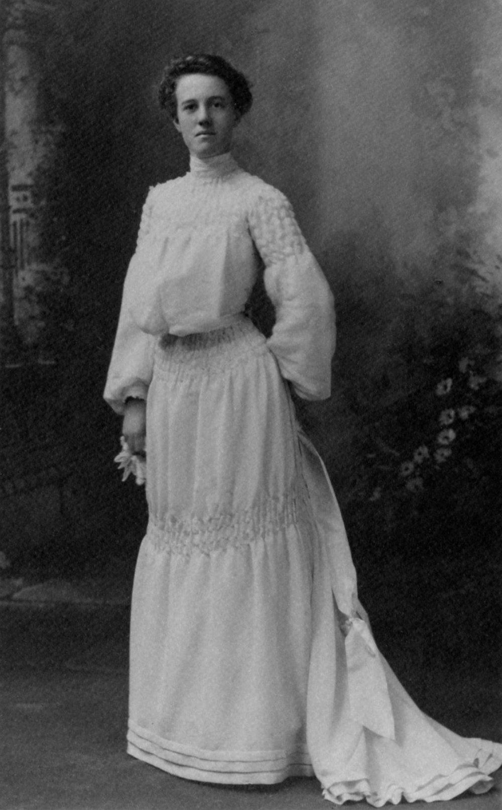 Jessie Hill Thomson Hunt at her wedding in 1903