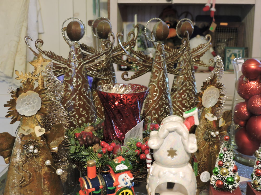 Glorious Olde Time Christmas ornaments and decor-
