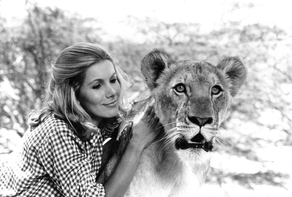 Susan Hampshire and Arusha.jpg