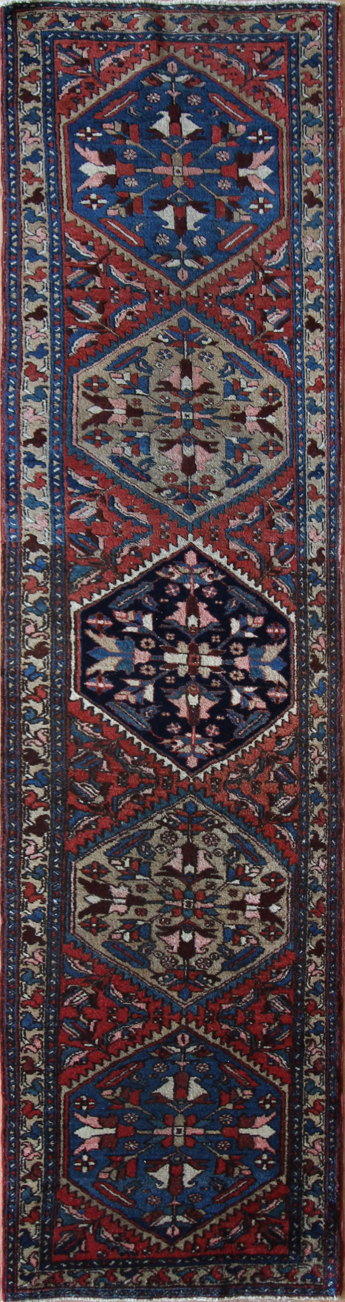780 Heriz, Persia, 2'9''x10'10''